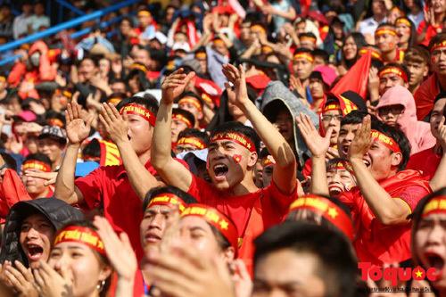 VinaPhone tặng cước data roaming cho cổ động viên Việt Nam
