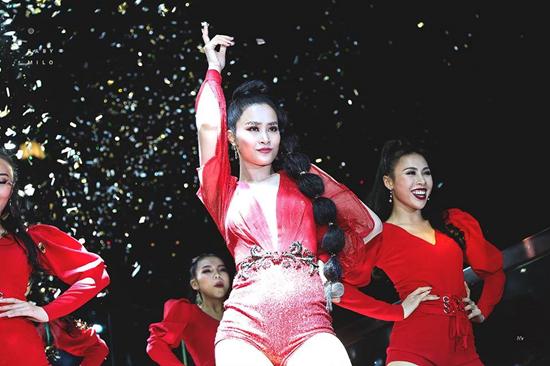 Chi Pu rút lui khỏi giải Zing Music Awards vào phút chót