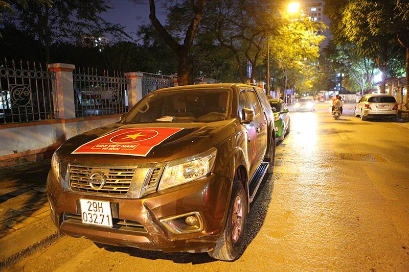 Ý tưởng độc lạ cổ vũ U23 Việt Nam khiến tài xế mê mẩn