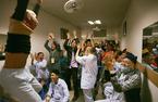 Chuyên gia mách cách hò hét cổ vũ U23 VN không khản giọng