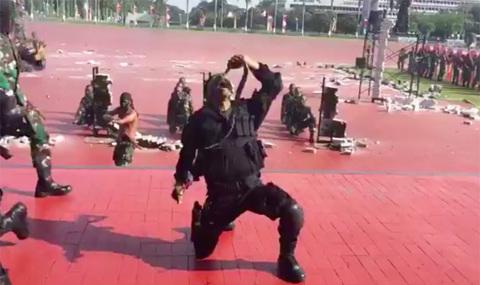 Đặc nhiệm Indonesia tập luyện