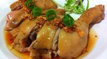 Cách làm món gà hấp ngũ vị thơm lừng góc bếp