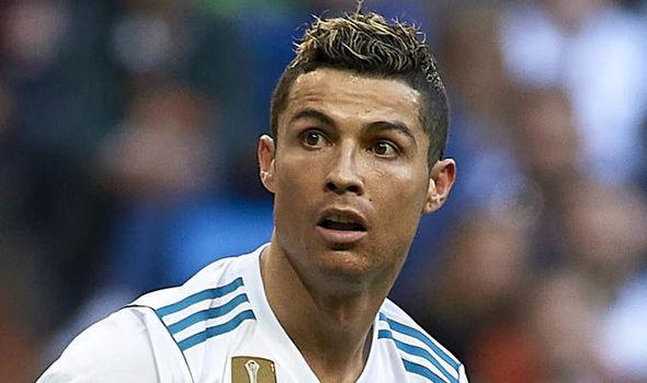 MU lên tiếng ký việc Ronaldo, Mourinho hết lời ca Sanchez