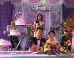 Cô gái bất ngờ nói lời cay đắng trong đám cưới người yêu cũ