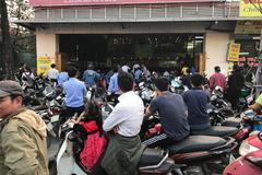 Nhà hàng chối khách, cả công ty 'bể sô' cổ vũ U23 Việt Nam