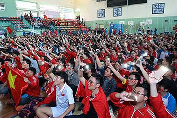 Tổng lãnh sự quán VN tại Thượng Hải khuyến cáo CĐV U23 Việt Nam