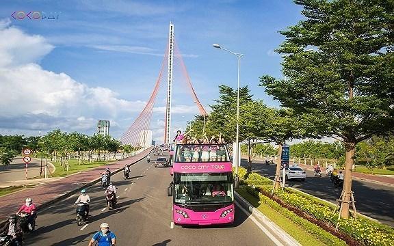 Cận cảnh loại xe buýt 2 tầng chuẩn bị tới Hà Nội để chở U23 Việt Nam