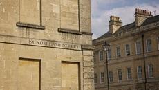 Chuyện kỳ lạ nước Anh thời xưa: Nhà có cửa sổ phải nộp thuế