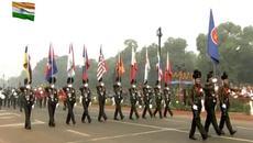 Thủ tướng dự lễ diễu hành mừng Ngày Cộng hoà Ấn Độ