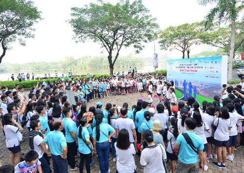Hàng vạn 'bước chân chia sẻ' giúp người nghèo đón Tết