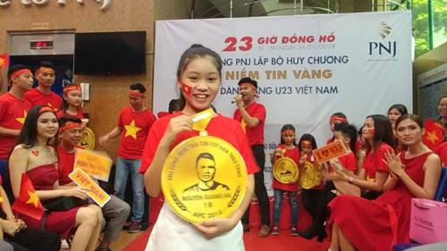 PNJ tặng U23 Việt Nam bộ huy chương 'Niềm tin vàng'