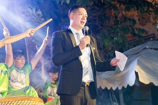 Hồ Ngọc Hà lái xe 7 tỷ đến chúc mừng Nhật Kim Anh