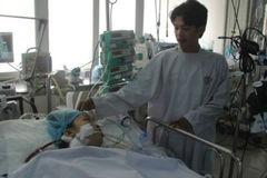 Thai phụ hôn mê, mất con sau 2 ngày ho sốt bất thường