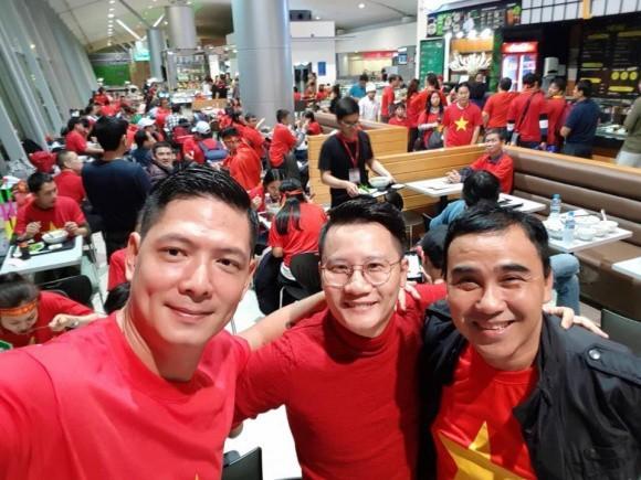 Quyền Linh, Bình Minh tới Thường Châu cổ vũ U23 Việt Nam