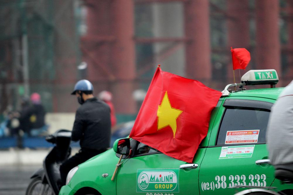 U23 Uzbekistan, U23 Việt Nam, chung kết U23 châu Á, Bóng đá Việt Nam, Hà Nội, xế hộp, cờ tổ quốc