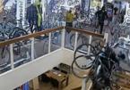 Trộm táo tợn đột nhập cửa hàng thoải mái lấy hàng loạt xe đạp