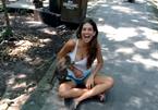 10 clip 'nóng': Bị khỉ sàm sỡ, cô gái cười ngất trước camera