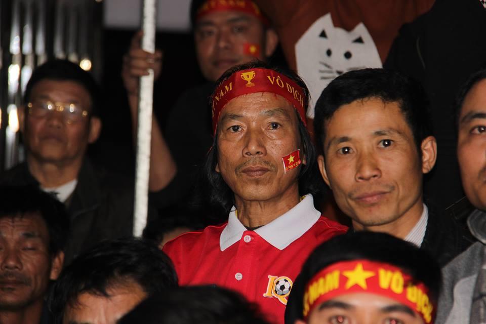 Nước mắt tuôn rơi sau chung kết U23 Việt Nam - U23 Uzbekistan