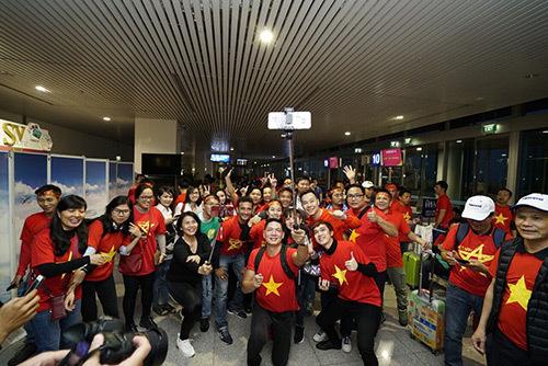 Tàu bay 'Tôi yêu Tổ quốc tôi' đón U23 Việt Nam