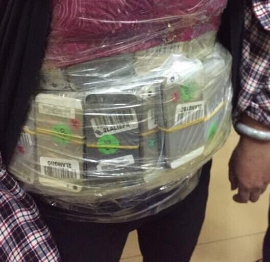 Ép vàng quanh người: 'Độc chiêu' của tay buôn lậu xuyên quốc gia