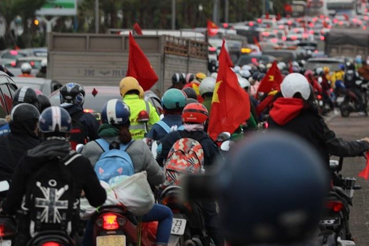 U23 Việt Nam, bóng đá Việt Nam, u23 châu Á, tắc đường, cầu Nhật Tân