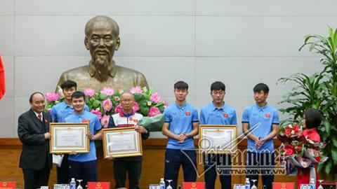 Thủ tướng trao tặng huân chương