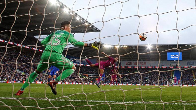 Đánh thần tốc, Man City thẳng tiến ở FA Cup