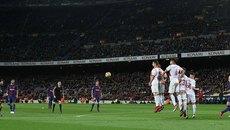 Messi vẽ siêu phẩm, Barca trở về từ cõi chết