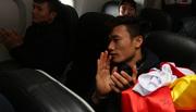 Hậu trường cực hot của U23 Việt Nam trên máy bay về nước
