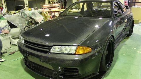 Xế độ full carbon từ phiên bản Nissan Skyline GT-R R32