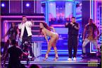 Hoa hậu Hoàn vũ mặc bốc lửa nhảy phụ họa cho 'Despacito'