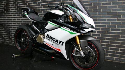 Mẫu xe độ hoàn hảo Ducati 1299 Panigale S Streetfighter