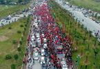 Dòng người đỏ rực đón U23 Việt Nam nhìn từ flycam