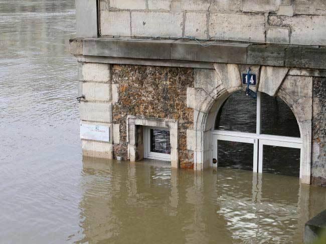Paris trước nguy cơ chìm trong biển nước