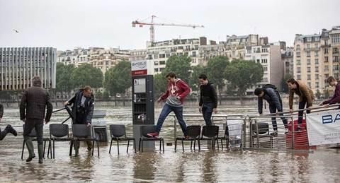 Paris lụt