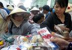Phiên chợ Tết đồng giá 2 ngàn cho người nghèo Sài Gòn
