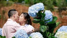 MC Hoàng Linh hôn chú rể đắm đuối ở vườn hoa cẩm tú cầu