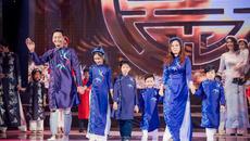 MC Phan Anh rủ cả nhà làm người mẫu