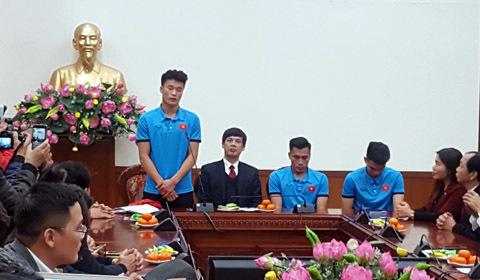 Đón cầu thủ ở Thanh Hóa