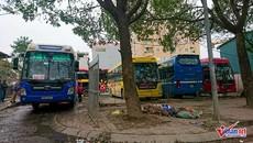 Hà Nội: Xe dù, bến cóc náo loạn khu đô thị