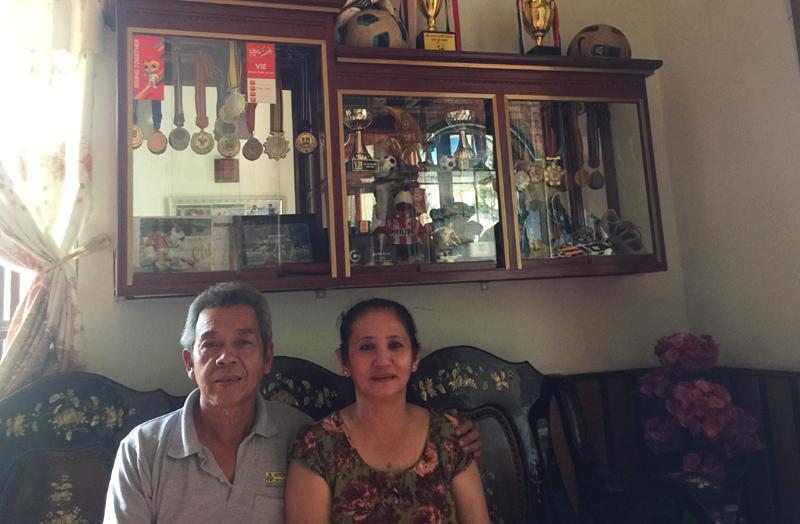 Bố mẹ Hồng Duy U23 tiết lộ lý do không lên Sài Gòn đón con trai