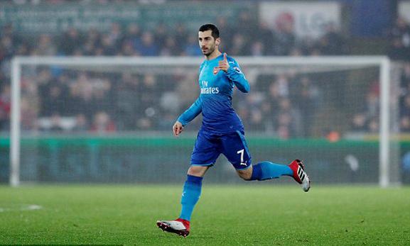 Arsenal thua bẽ bàng trong ngày ra mắt Mkhitaryan