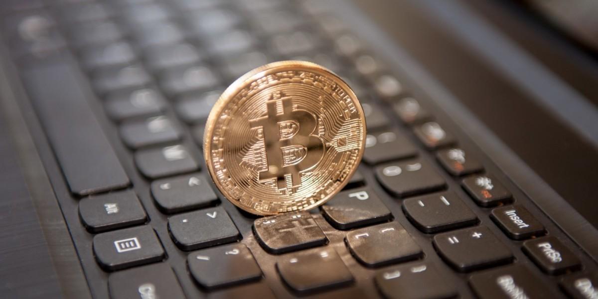 Facebook bắt đầu cấm tất cả quảng cáo Bitcoin và tiền ảo