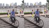 """Ông lão đạp xe minh chứng cho câu nói """"Gừng càng già càng cay"""""""