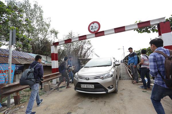 Thông xe cầu Long Kiểng sau hơn 10 ngày bị sập