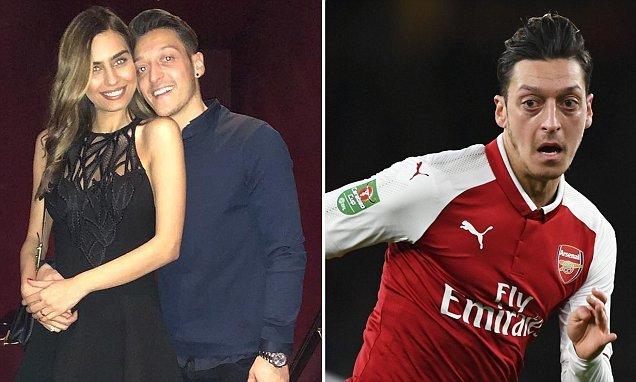 Ibrahimovic đột ngột bỏ MU, Ozil khiến fan Arsenal mừng rỡ