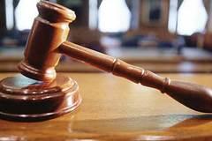 Kiện ra tòa vì đang kinh doanh, bất ngờ bị 'tước' giấy phép?
