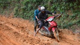 Con đường 'khủng khiếp' đi bộ nhanh hơn xe máy