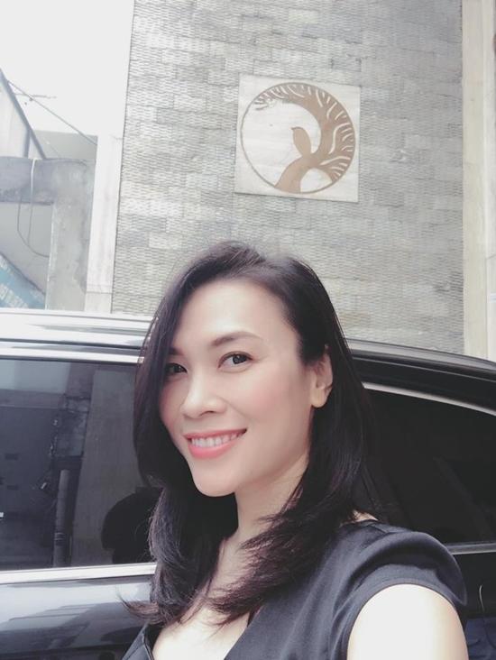 Đông Nhi khiến người hâm mộ choáng váng vì việc làm khác người