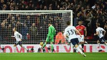 Ra đòn chớp nhoáng, Tottenham đánh gục MU